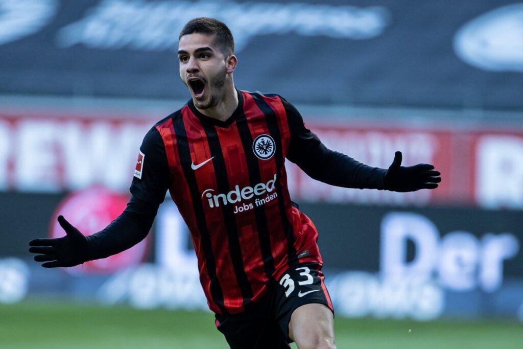 Andre Silva chính thức cập bến RB Leipzig