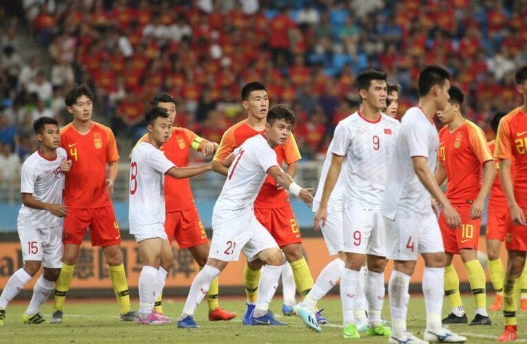 """Việt Nam """"đụng độ"""" với """"hàng xóm"""" Trung Quốc tại vòng loại World Cup 22"""