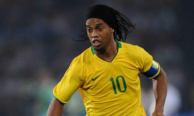 Ngôi sao người Brazil Ronaldinho – Thăng trầm trong sự nghiệp bóng đá