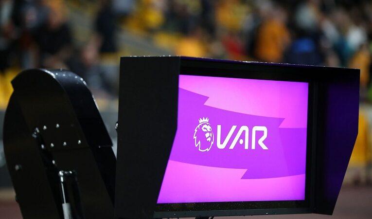 """Premier League cải tiến công nghệ VAR, tránh gặp các lỗi """"ngớ ngẩn"""""""