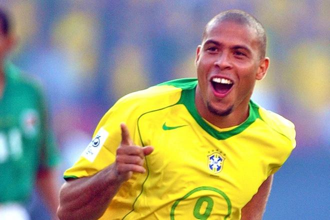 """Ronaldo """"béo"""" – """"Người ngoài hành tinh"""" tạo nên những kì tích sân cỏ"""