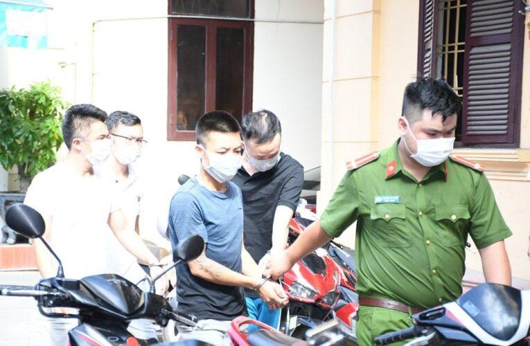 Hà Nội xử phạt hành chính nhóm tụ tập đánhh bạc