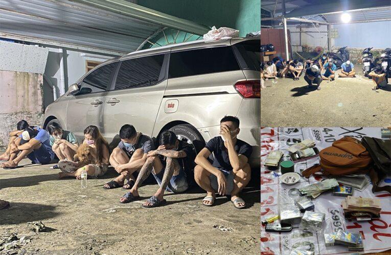 Ninh Bình bắt giữ 10 con bạc đang chơi xóc đĩa